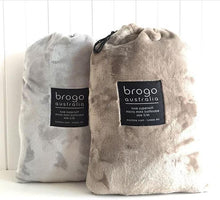 Load image into Gallery viewer, Brogo Micro Mink Supersoft Throw - Sand