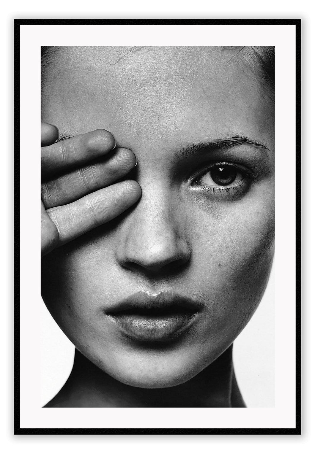 Kate Moss B&W - italianluxurygroup.com.au