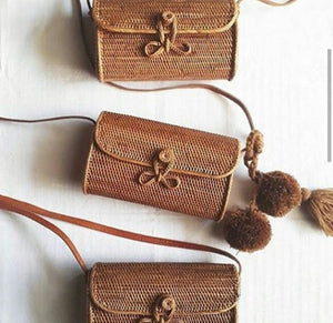 """Ratih"" - Straw flap rattan purse"