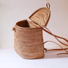 "Load image into Gallery viewer, ""Mustica"" - Rattan Backpack Basket"