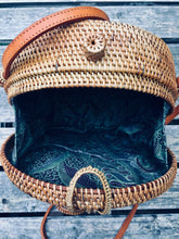 "Load image into Gallery viewer, ""Lestari"" - Round rattan bag"