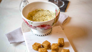 Spicy Spinach Artichoke Dip with Spicy-Sweet Tots