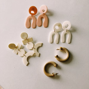EARRINGS / ACCESSORIES