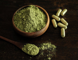 Kratom leaf powder and capsules