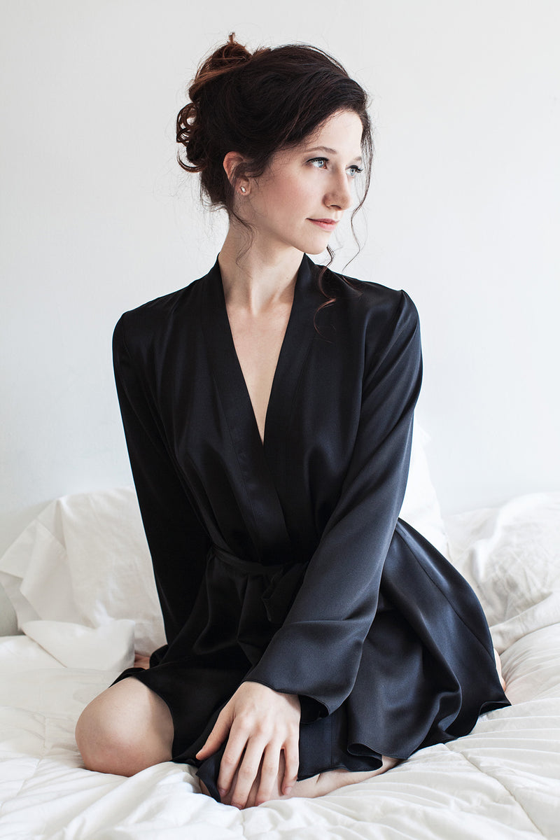Retro style silk robe with long sleeves in black silk