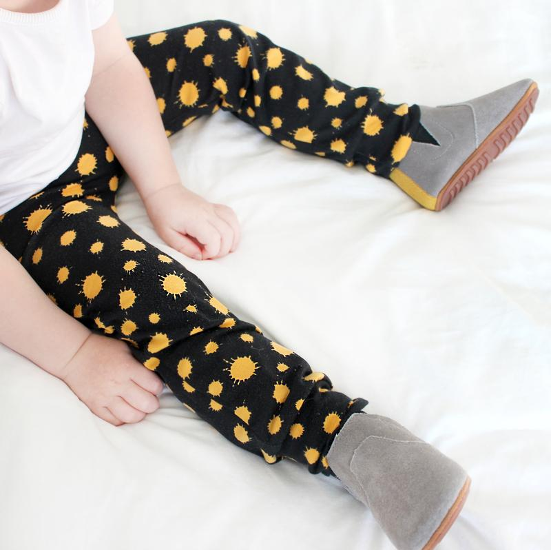 Fred & Noah - Gold Splat Leggings - Baby at the Bank