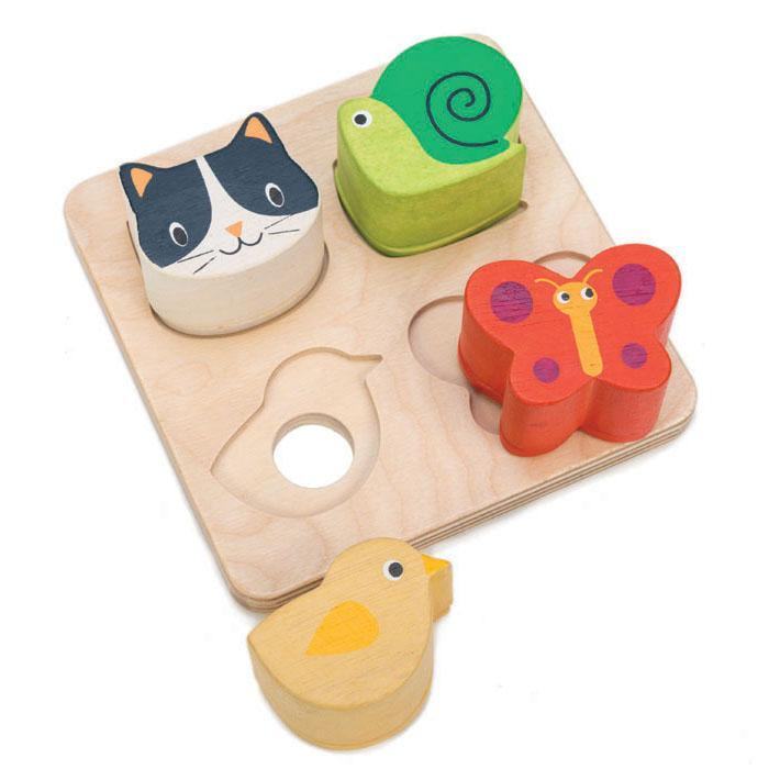 tenderleaf-touch sensory tray-baby at the bank