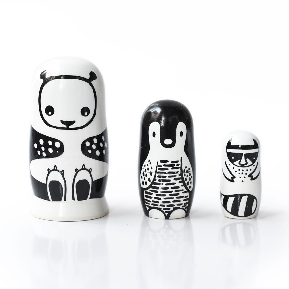 Wee Gallery - Nesting Dolls - Black And White