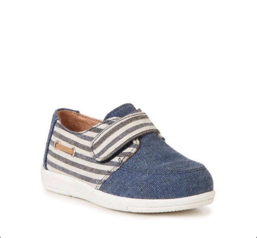 emu-sundial dark denim boat shoe-baby at the bank