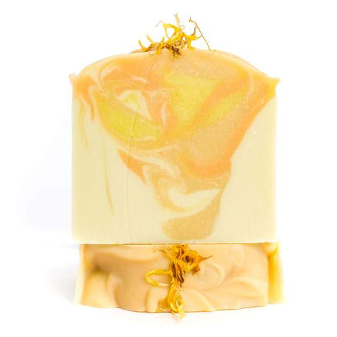 Grapefruit Sunrise Hemp Soap has a amazing, refreshing scent. Start your day with a burst of sunshine and the energizing citrus scent of fresh pink grapefruit.