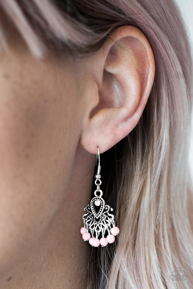 Paparazzi Earrings in silver with pink