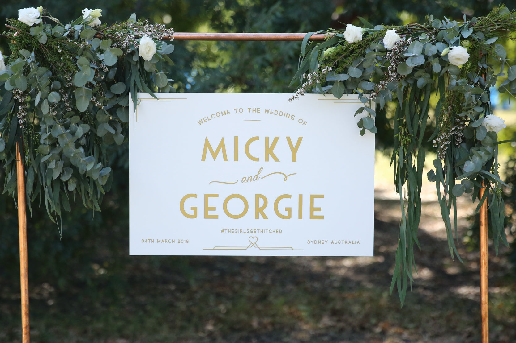 Hanging wedding sign, white and gold welcome sign