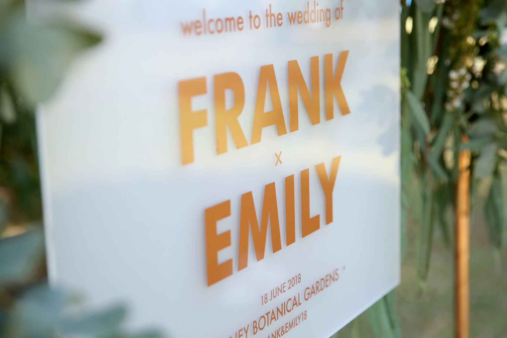 Close up of welcome wedding sign, hanging