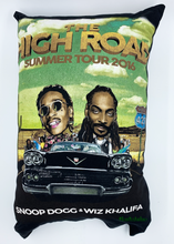 Load image into Gallery viewer, Snoop Dogg - Pillow