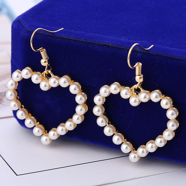 Cream Pearl Heart Shaped Earrings-Gorgeous!