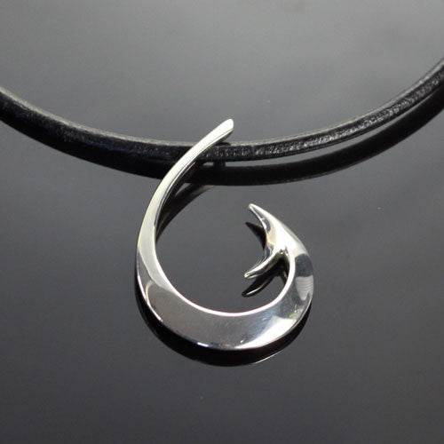 Circle Fish Hook Pendant Necklace