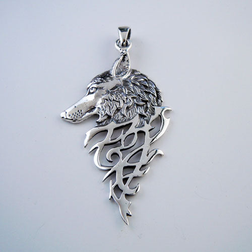 Grande Wolf Pendant Necklace in Sterling Silver