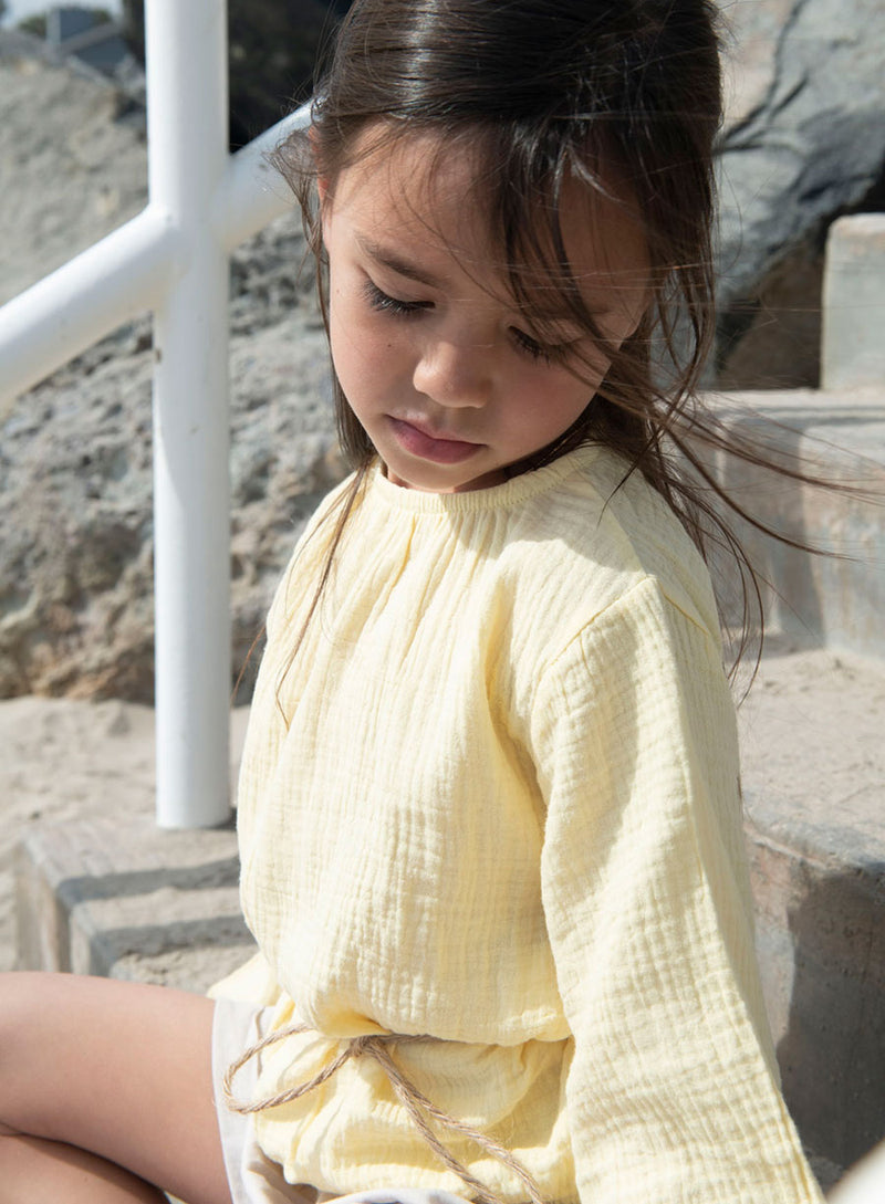 BREEZY BUTTON TOP - SUNSHINE YELLOW