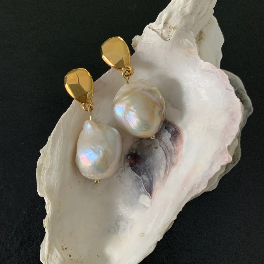 The Cher - Faceted Gold Large Pearl Earring