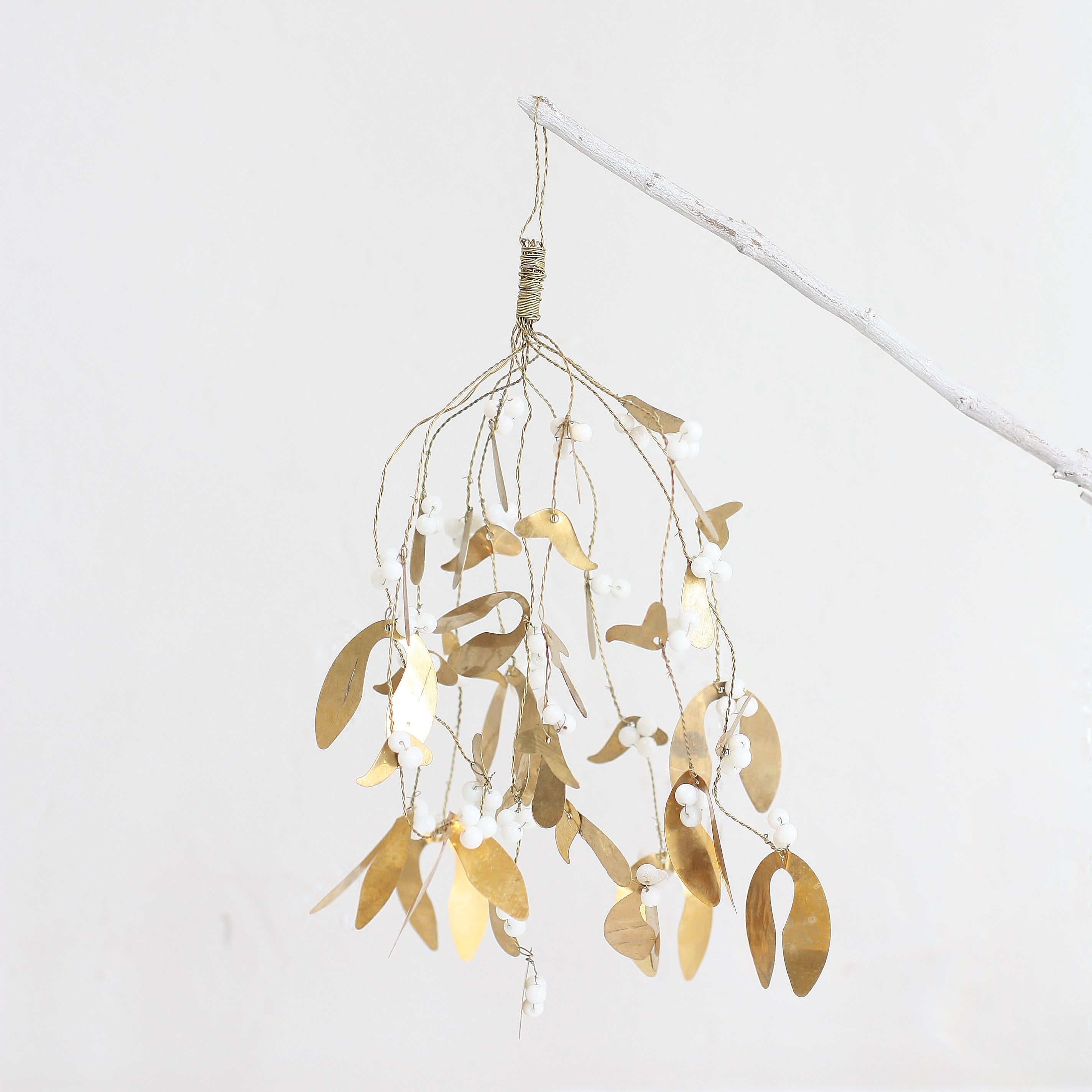 Gold & Silver Wire Mistletoe Ornament