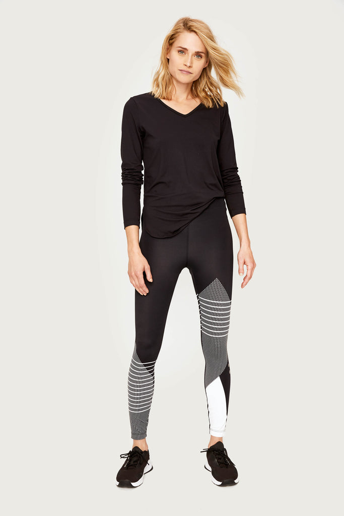 Lole V Neck Long Sleeve Tee - Black with mesh back - SKULPT Dublin