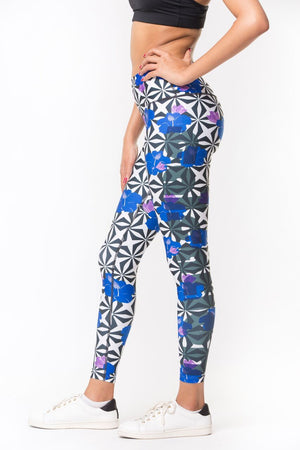 Aloha Geo Leggings - Black+White/Blue