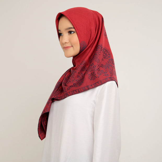 Zaniah Scarf Red