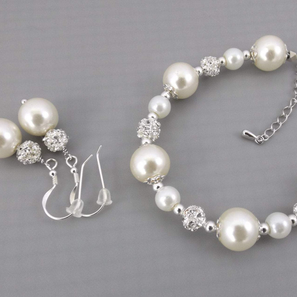 Ivory pearl bridesmaid jewellery set, pearl bracelet and earrings set, bridesmaid jewelry set