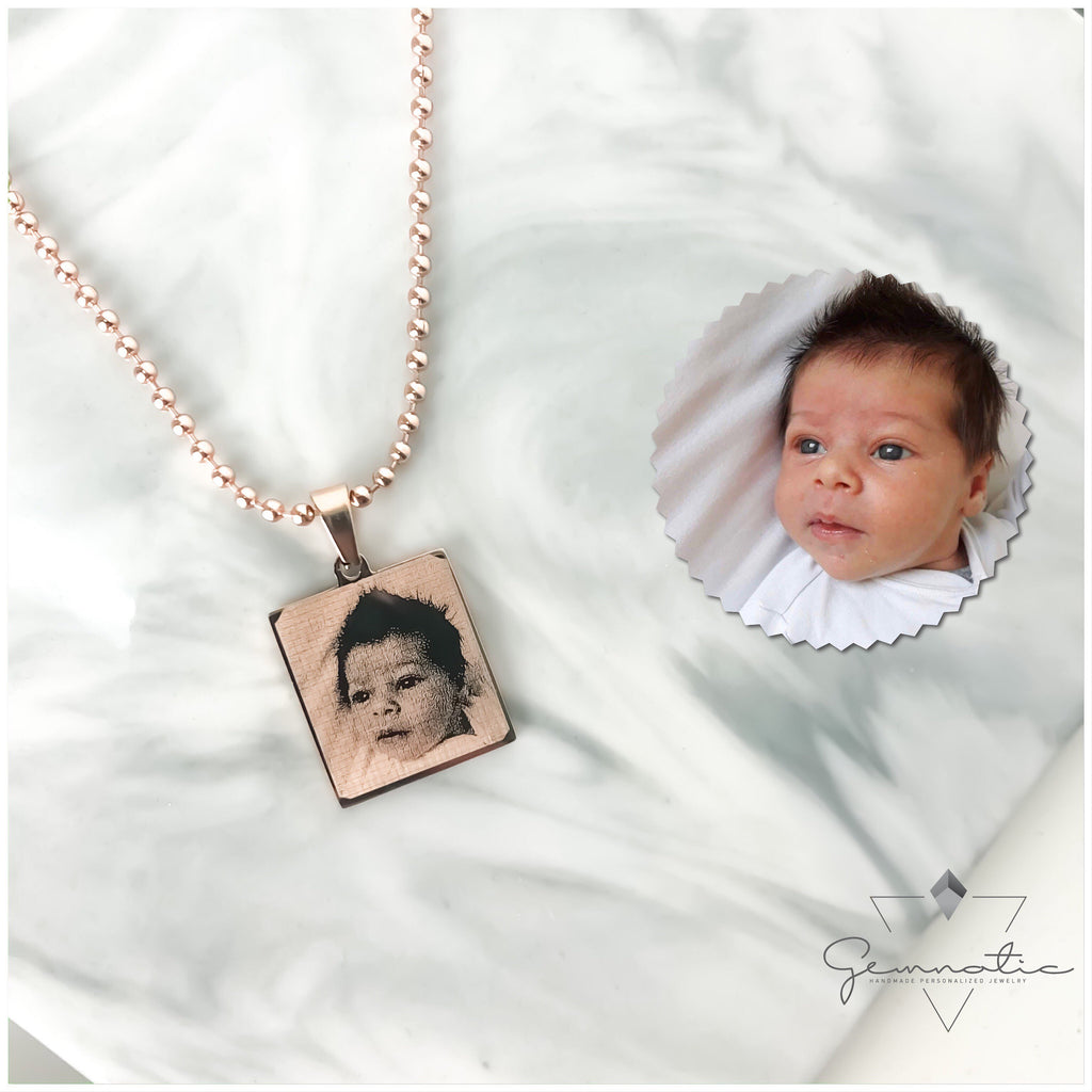 Engraved photo Necklace Personalized Necklace Personalized Jewelry Gifts for Her Gifts for Mom Memorial Gift Picture Necklace Christmas Gift