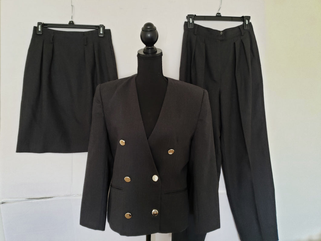 Jones New York    3 Piece Suit