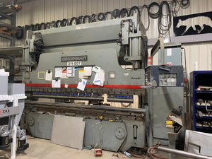 135 Ton x 10' Cincinnati Autoform CNC Press Brake, 1999 - 6 Axis Back Gauge