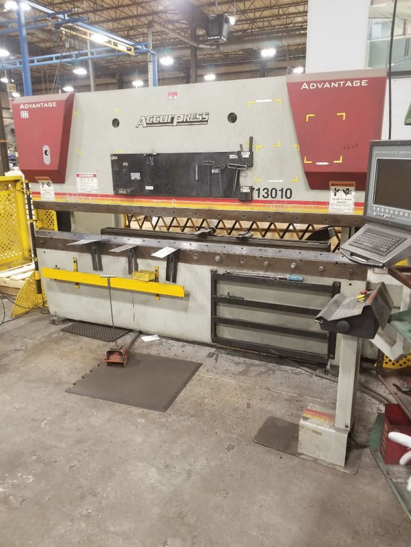 130 Ton X 10' Accurpress Advantage 713010, CNC Hydraulic Press Brake, 2006 - Light Curtain Included, ETS 3000 Control