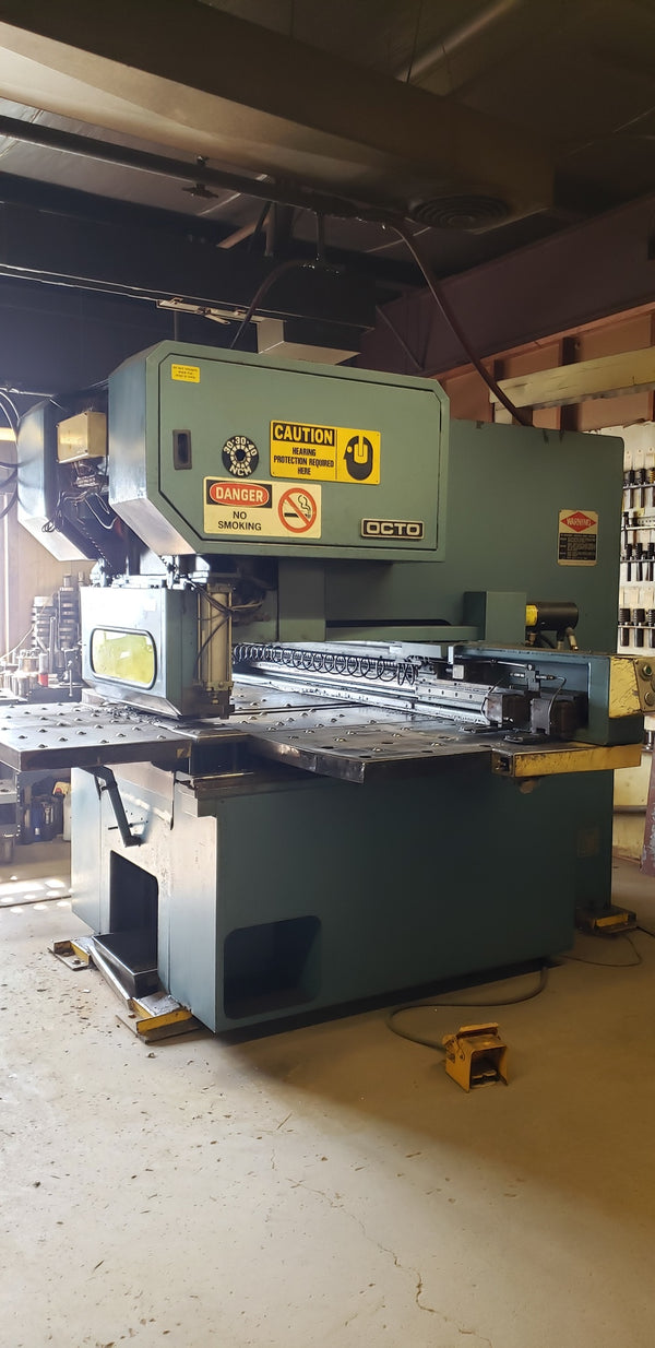 30 Ton Amada Octo-334 CNC Punch Press, 1985