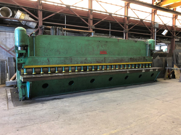 "1/4"" x 24' Pacific 250S24 Hydraulic Guillotine Shear- Powered Backgauge"