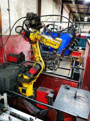 1999 Lincoln Electric Fanuc Arcmate 100i Robotic Welding Cell With 2 Rotisserie & 1 Fixed Workstation