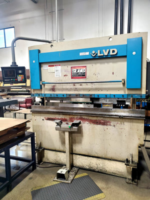 1995 LVD JS 45 ton x 6 ft Press Brake W/ Hurco AutoBend Back Gauge