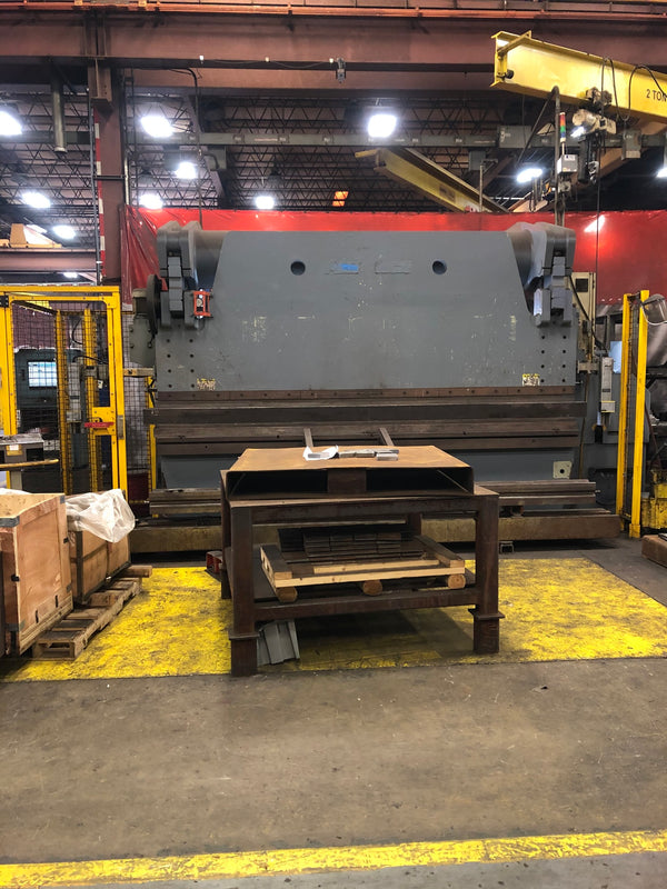400 Ton x 12' Accurpress 740012 CNC Press Brake 2006- Under Power, Video, Tooling Included