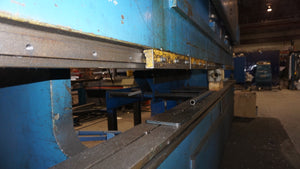 Summit 400 Ton x 12ft Press Brake, Year 1979