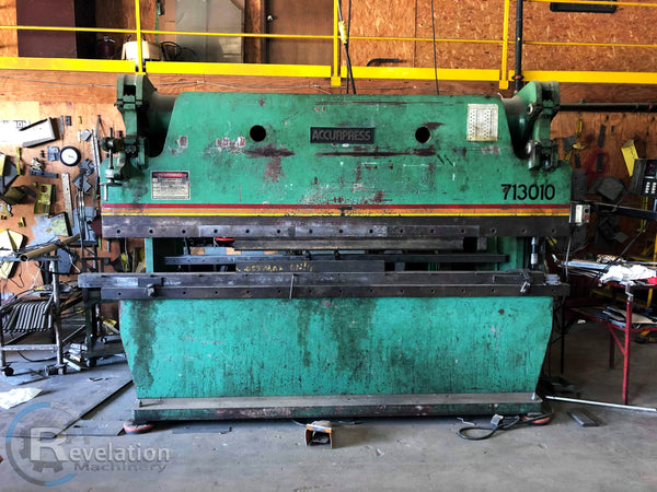 1982 Accurpress 130 Ton x 10' Press Brake