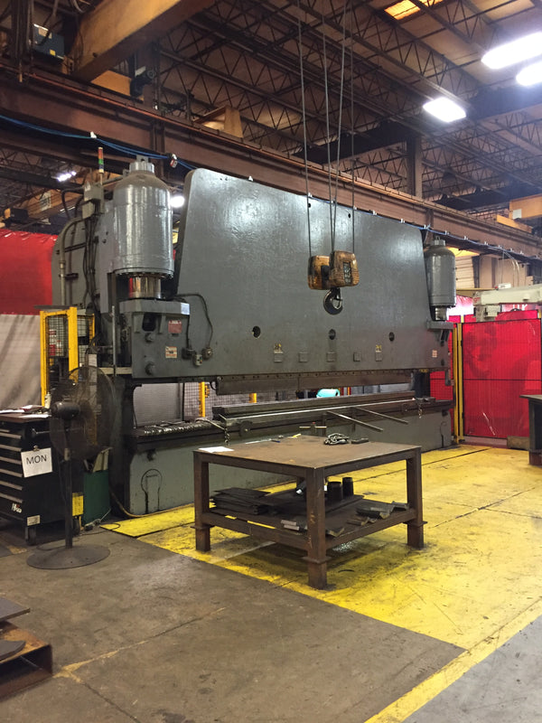 600 Ton X 22' Pacific K600-22 Press Brake, 1976 - Under Power, Video