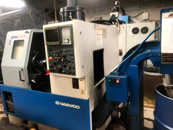 2000 Daewoo Lynx 200, Tool Presetter, Chip Conveyor, Tooling comes with, Underpower