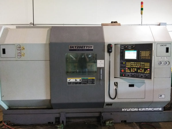 Hyundai Kia SKT-200-TTSY CNC Turning Center, 2007 - Barfeed Interface, Parts Catch, Under Power