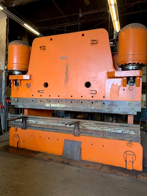 "Pacific 600 Ton x 12' Press Brake- 3/4"" Capacity"