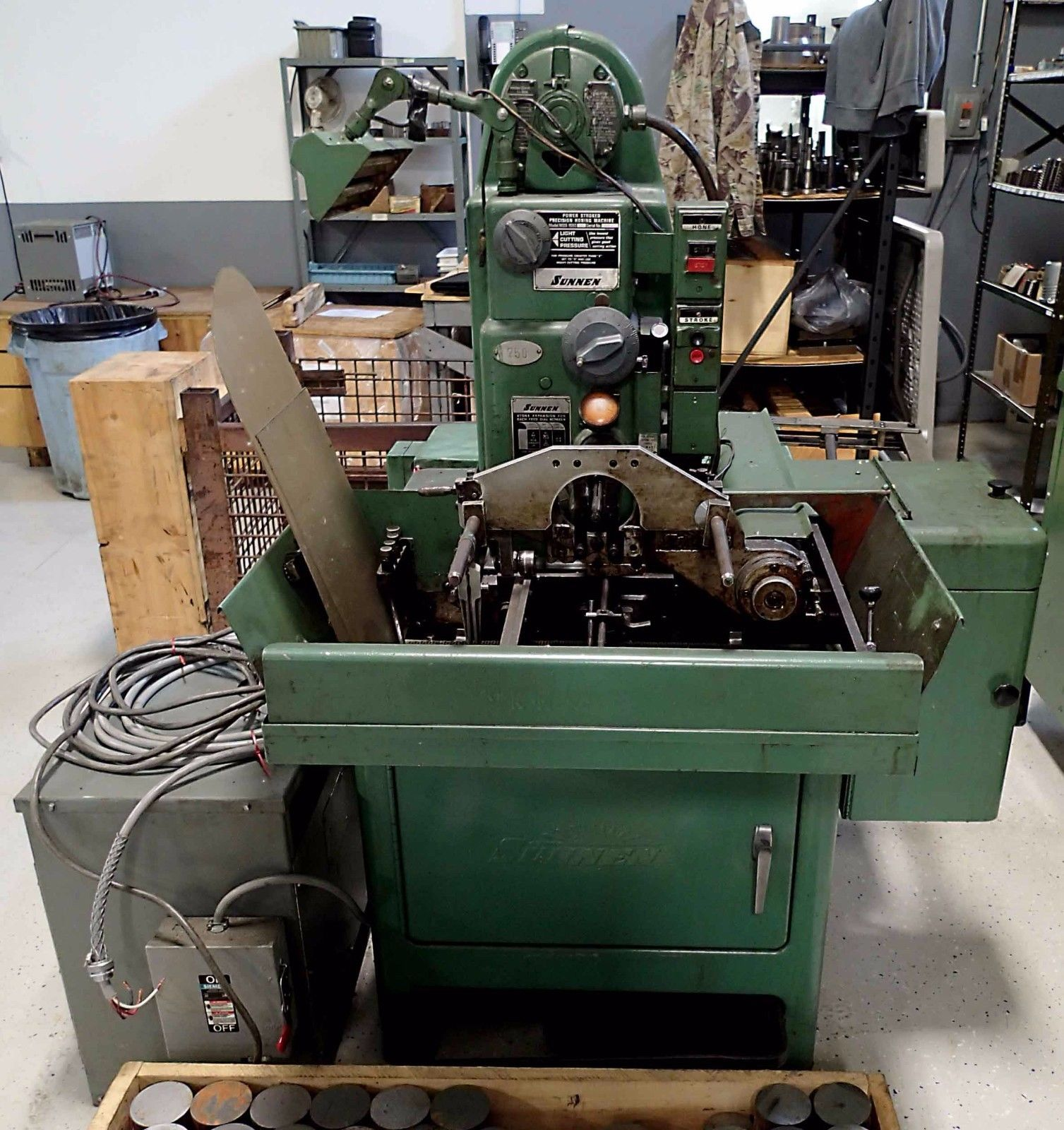 Sunnen Model MBB 1680 Horizontal Honing Machine, Year 1970