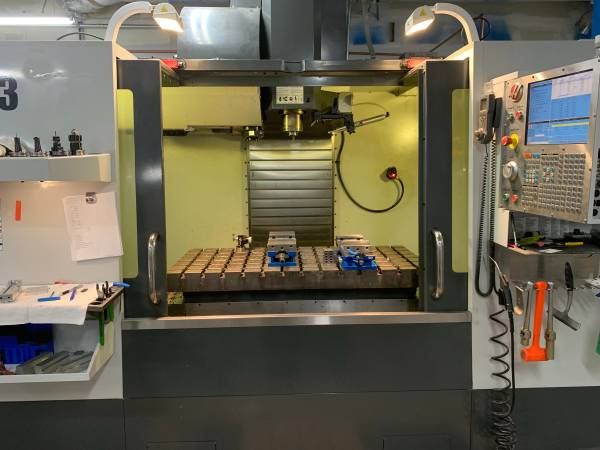 2013 Haas VM3, Thru Spindle Coolant, Probing, Wired for 4th, Low Hours