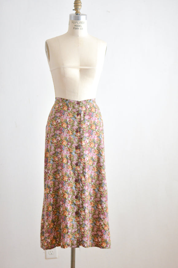 Vintage skirt floral buttoned down size:Large