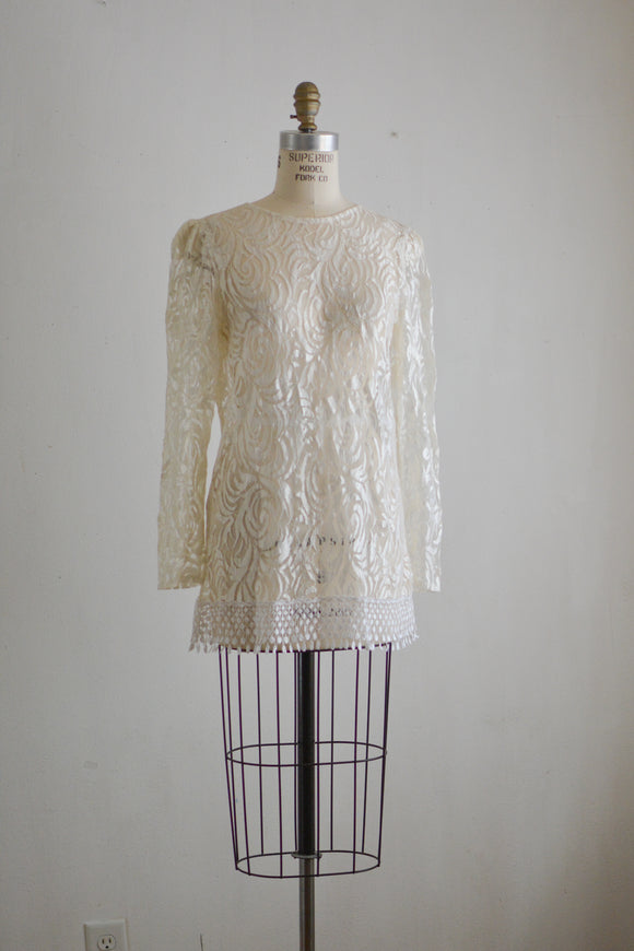 Vintage white laces blouse floral -Medium