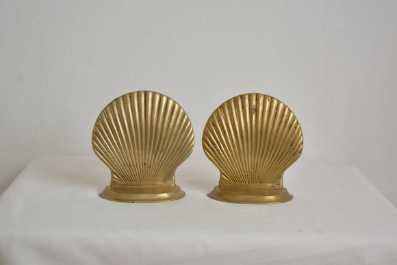 Vintage seashell bookends
