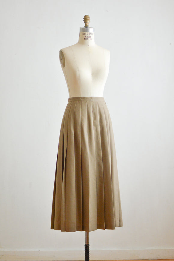 Vintage pleated brown skirt -small