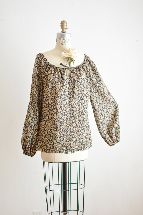 Vintage peasant blouse - Medium/Large